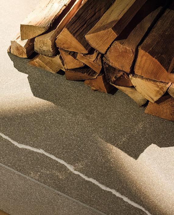 Schinharl bietet maßgeschneiderte Kamine von klassisch bis modern.